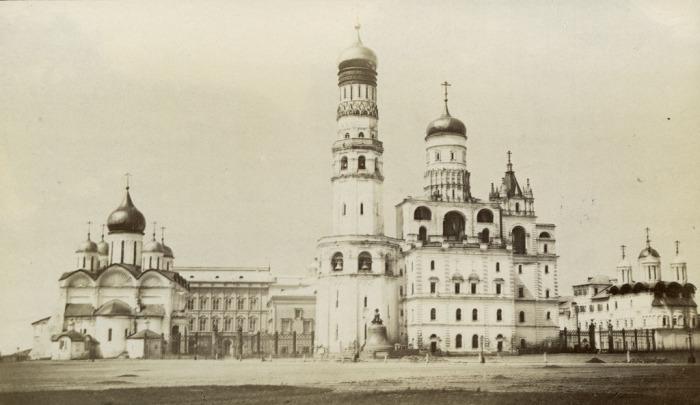 Колокольня Ивана Великого в Москве. Россия, 1880 год.