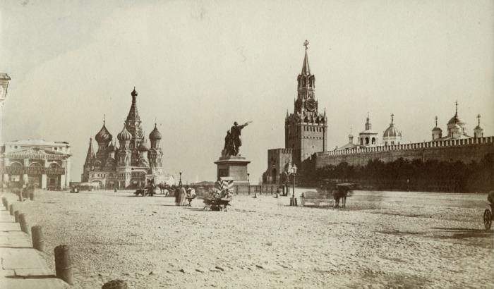 Красная площадь в Москве. Россия, 1880 год.