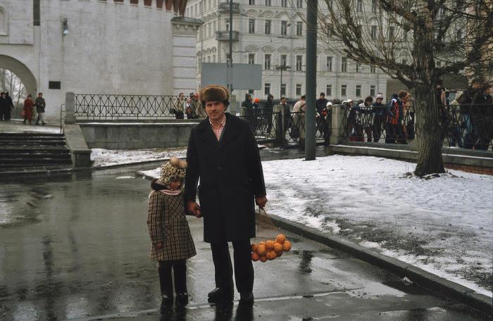 Дефицитный продукт. СССР, Москва, 1984 год.