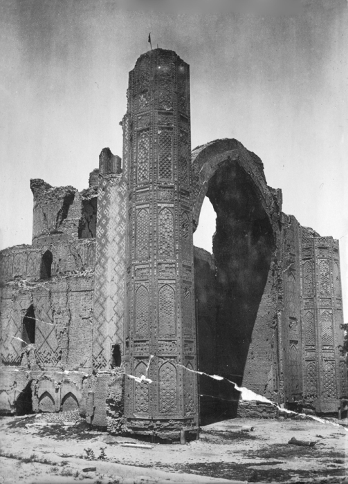Мечеть Биби-Ханым - архитектурный памятник в Самарканде.