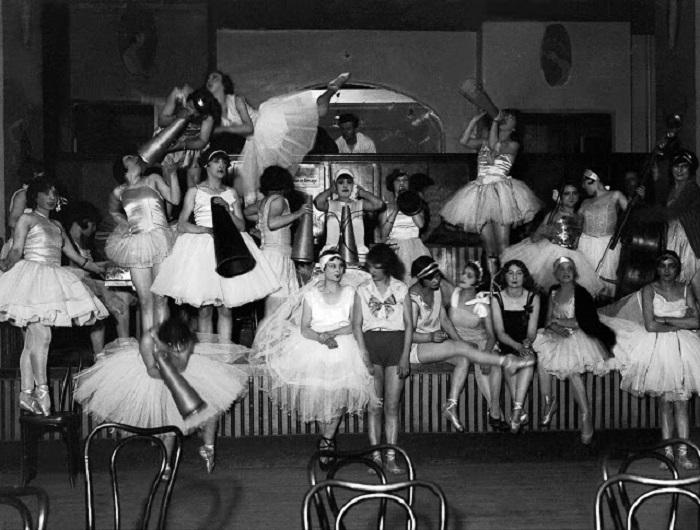Репетиция финального представления. Франция, Париж, 1928 год.