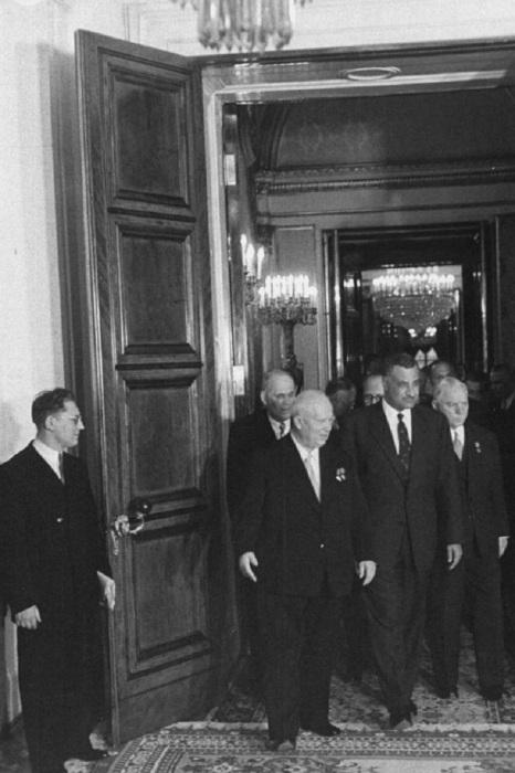 Никита Хрущев, Климент Ворошилов и Абделя Насера в Кремле. СССР, Москва, 1958 год.