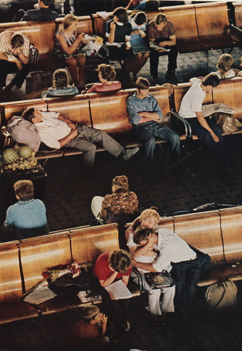 Зал ожидания на вокзале в Новосибирске. СССР, Новосибирск, 1976 год.