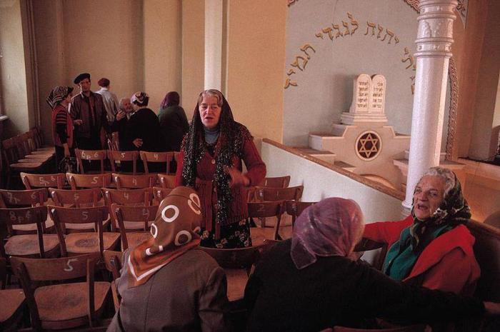 После служения в синагоге. СССР, Одесса, 1988 год.