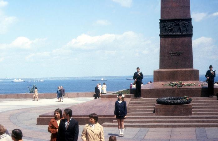 Памятник неизвестному матросу. СССР, Одесса, 1977 год.