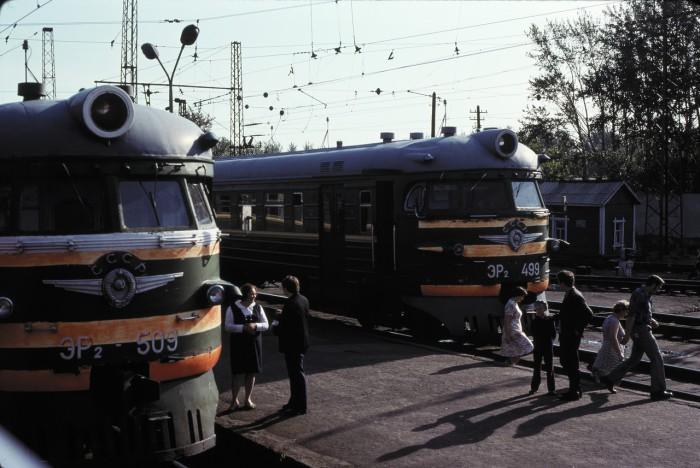 Локомотивы на станции. СССР, Омск, 1979 год.