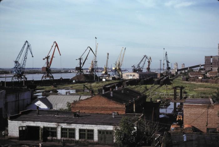 Речной порт на Иртыше в Ханты-Мансийске. СССР, Омск, 1979 год.