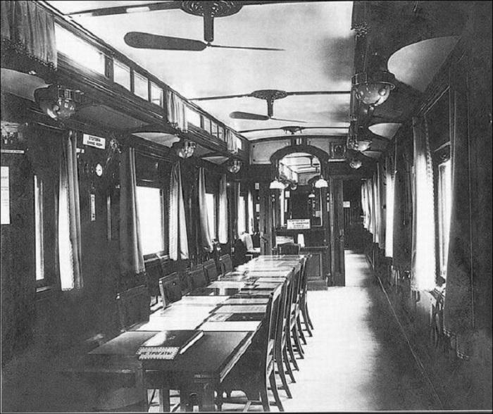 Вагон для проведения совещаний. Россия, 1916 год.