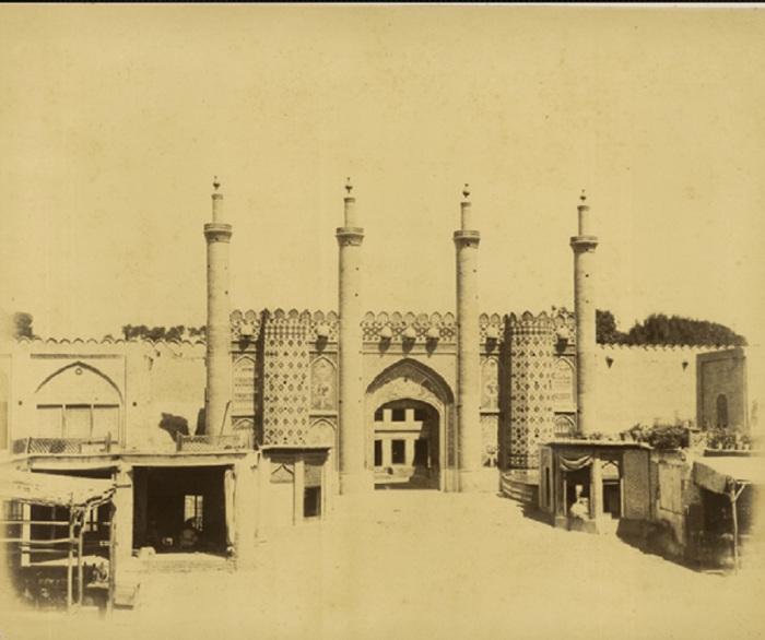 Ворота цитадели в Тегеране.