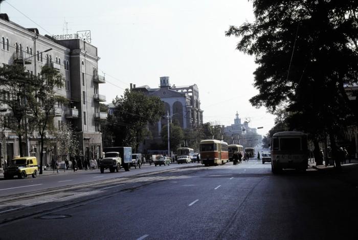 Уличная сцена. СССР, Ростовская область, 1975 год.