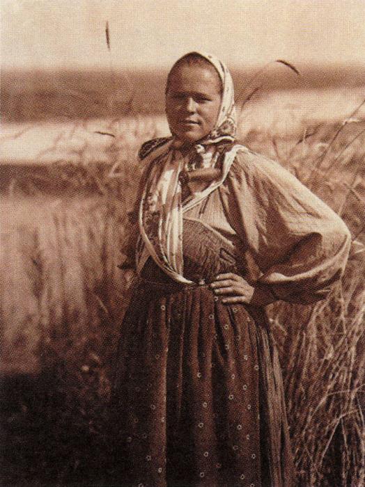 Жница. Фото: С.А. Лобовикова. 1914 год.