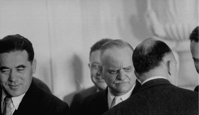 Гости на приеме по случаю приезда Насера. СССР, Москва, 1958 год.