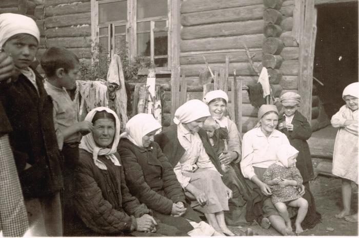 Фотография, сделанная на восточном фронте. СССР, Украина, 1941 год.
