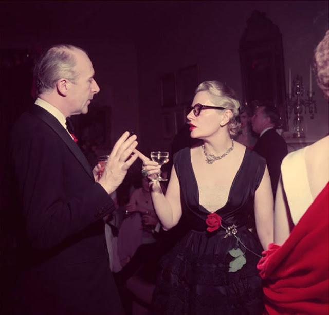 Флер Коулз и фотограф Сесила Битона на вечеринке.
