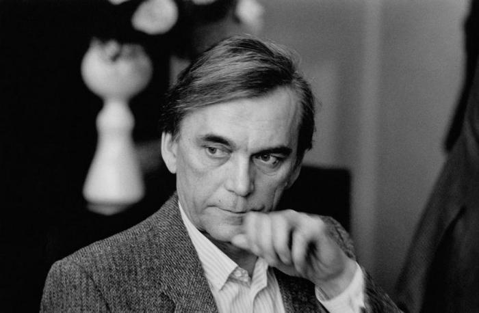 Советский кинорежиссёр и сценарист.