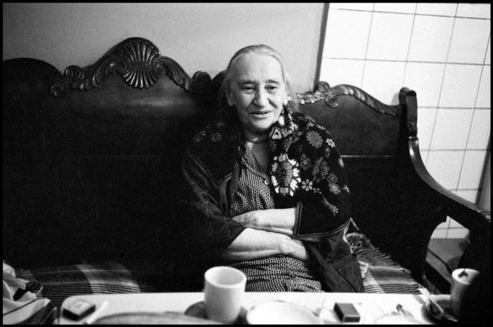 Русская писательница, жена Осипа Мандельштама.