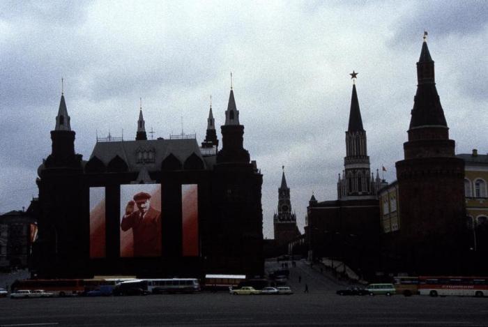Главная площадь Москвы в 1988 году.