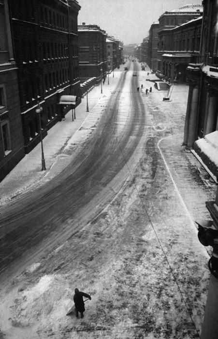 Заснеженная улица Халтурина. СССР, Минск, 1965 год.