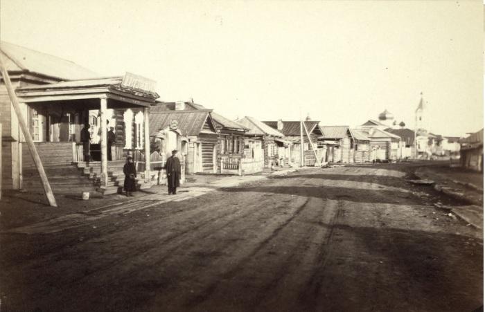Центральная улица в Иркутске.