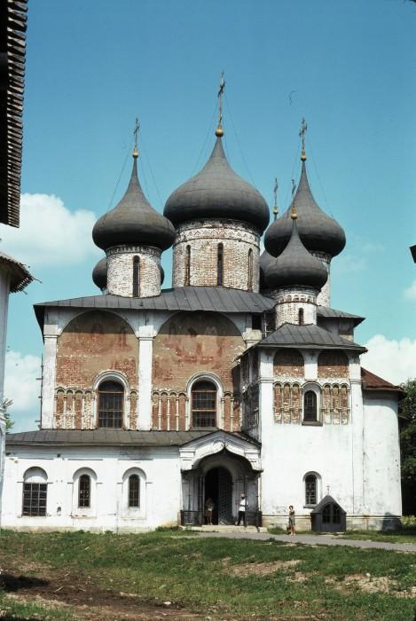 Спасо-Преображенский собор в Спасо-Евфимиевом монастыре. СССР, Суздаль, 1975 год.