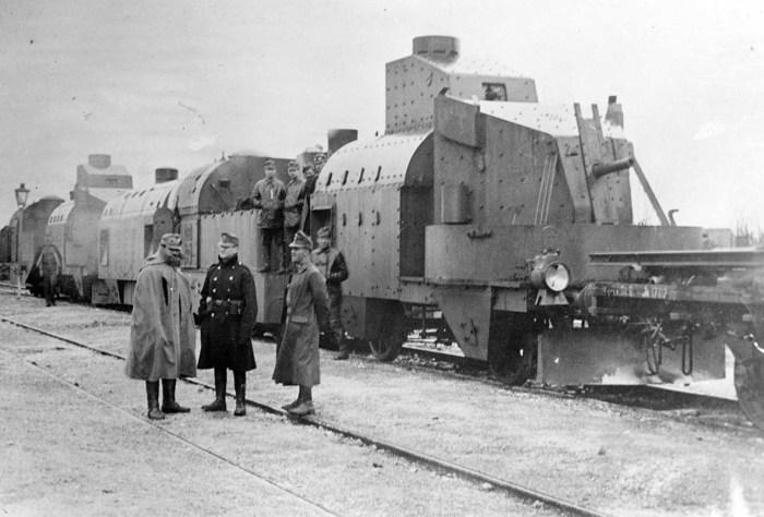 Австрийский бронепоезд в Галиции в 1915 году.