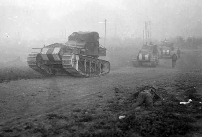 Британские лёгкие танки Mk A «Whippet» времён Первой мировой войны с пулемётным вооружением.