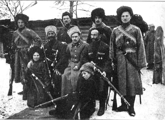 Терские казаки после боя. Первая мировая война, фронт, 1914 - 1918 год.
