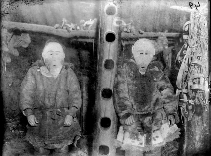 Коряки в ритуальных масках. Камчатский край, 1901 год.