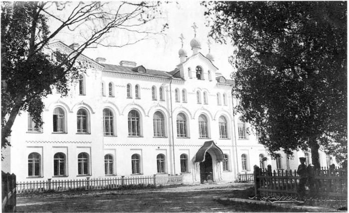 Вид на здание Духовной семинарии. Россия, Архангельск, 12 июня 1914