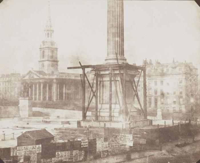 Строительство колонны Нельсона на Трафальгарской площади в 1844 году.