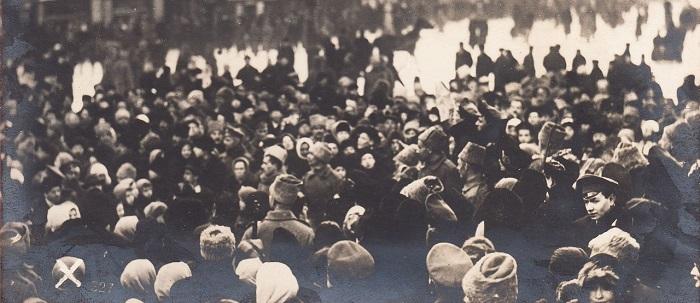 Невский проспект в дни революции. Петроград, 1917 год.