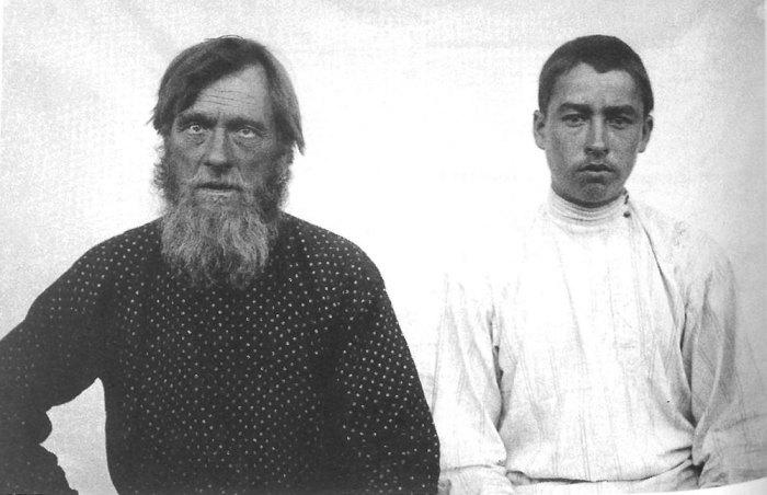 Дед с внуком. Рязанская губерния, Касимовский уезд, деревня Лубонос, 1914 год.