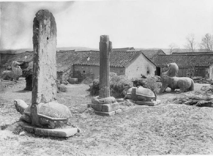 Общий вид гробницы Сяо Сю в провинции Сычуань.