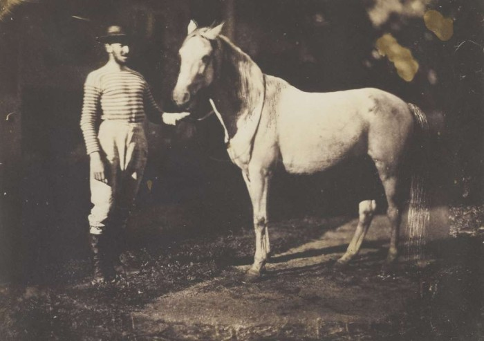 Подготовка лошади перед скачками в 1855 году.