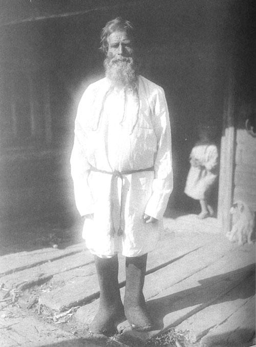 Старик в повседневной одежде.Архангельская губерния, Архангельский уезд, посад Луда, 1910 год.