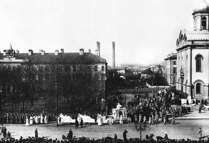 Участники похорон генерал-майора лейб-гвардии Семеновского полка И.Я.Кульнева. Россия, 1910 год.