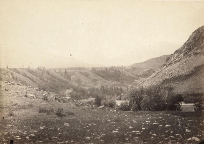 Долина реки Бухтарма вблизи порогов.
