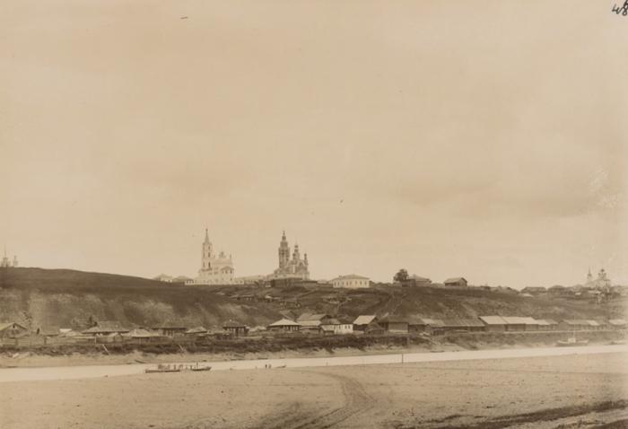 Деревня на реке Колва Чердынского уезда Пермской губернии.