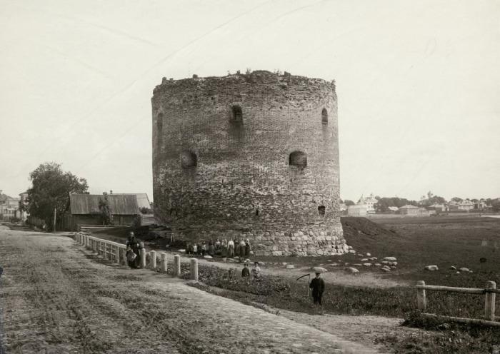 Белая башня, оборонительная башня в Великом Новгороде. Россия, 1880 год.