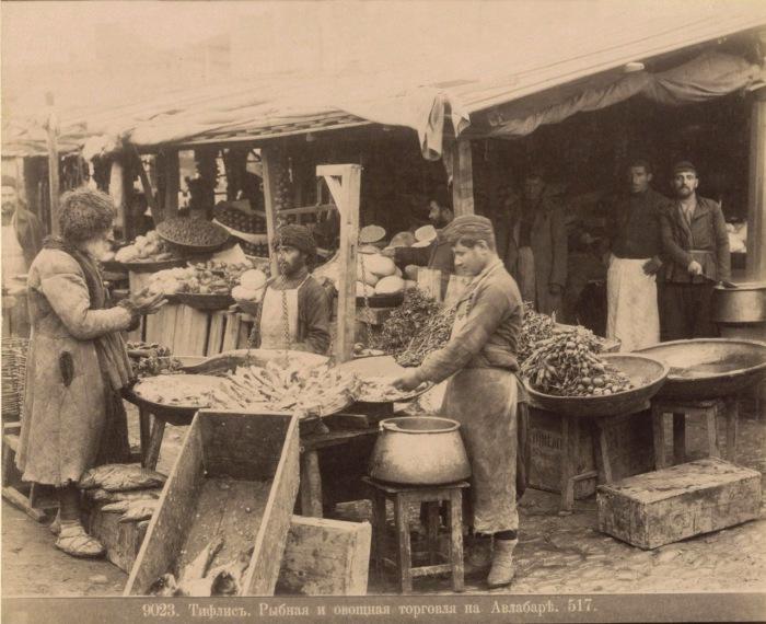 Рыбная и овощная торговля. Тифлис, 1890 год.