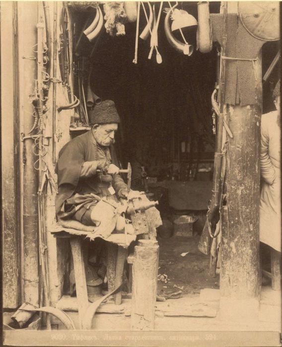 Лавка старьевщика. Тифлис, 1890 год.
