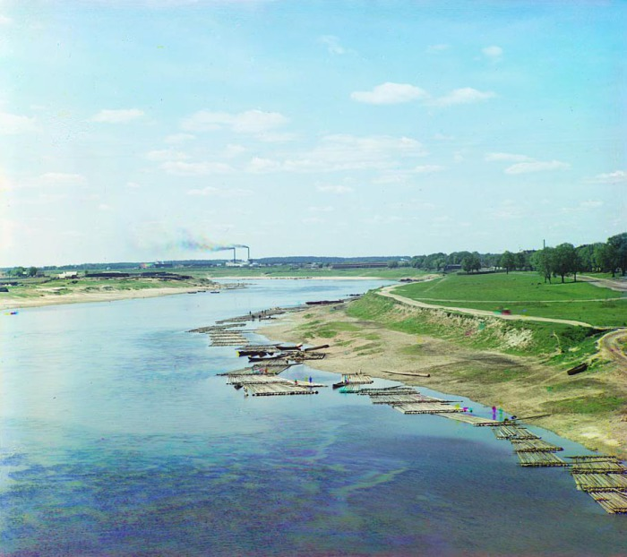 Удивительный пейзаж, открывающийся с северной части старого моста.