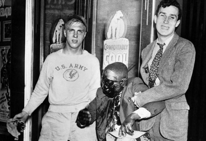 Жертва расовых волнений в Детройте, 21 июня 1943 года.