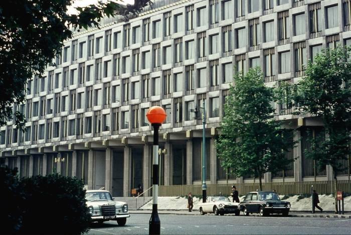 Посольство США в Лондоне в 1968 году.