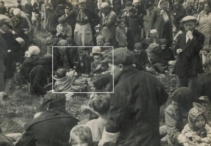 После прибытия в концентрационный лагерь Освенцим, 1944 год.