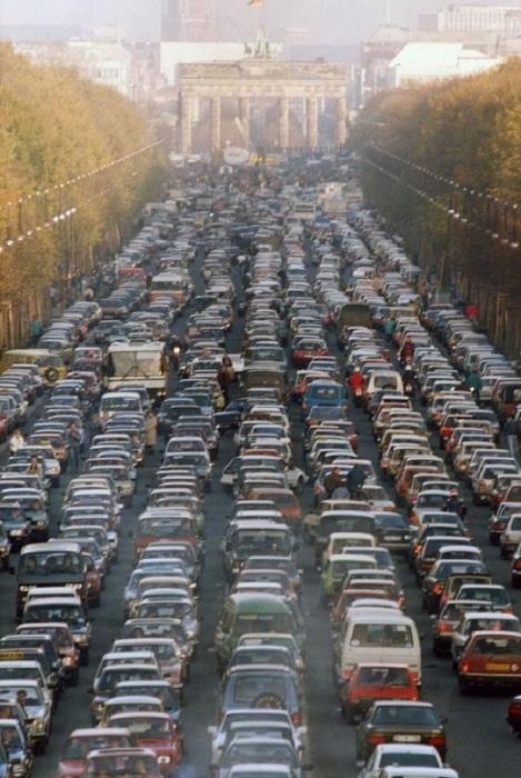 После падения Берлинской стены, 1989 год.