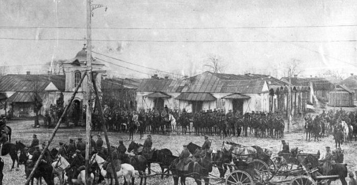 Подразделения войска польского в занятом Пинске. 1919 год.