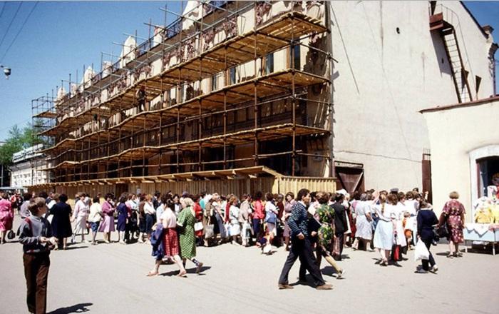 Реставрация дома на улице Урицкого. СССР, Иркутск, 1988 год.
