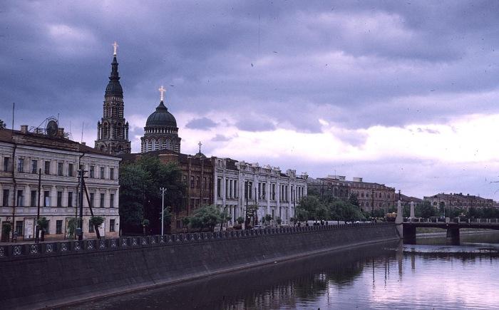 Вид Благовещенского собора со стороны реки Харьков. СССР, Харьков, 1959 год.