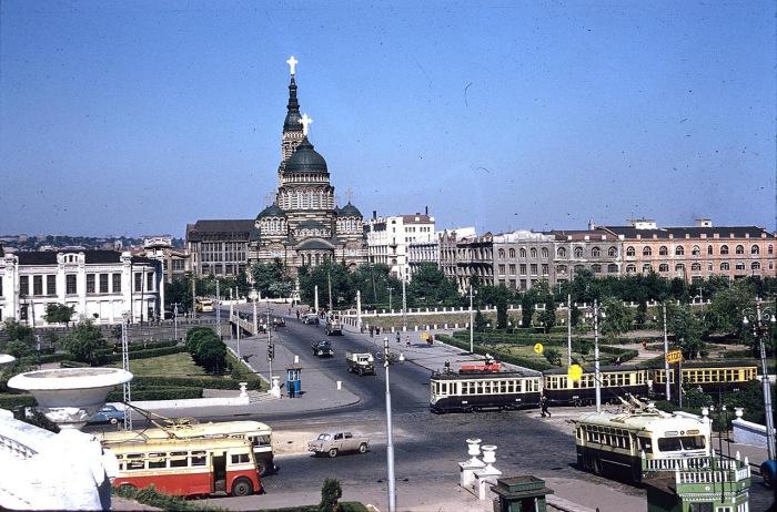 Вид на Благовещенский собор и его окрестности. СССР, Харьков, 1959 год.